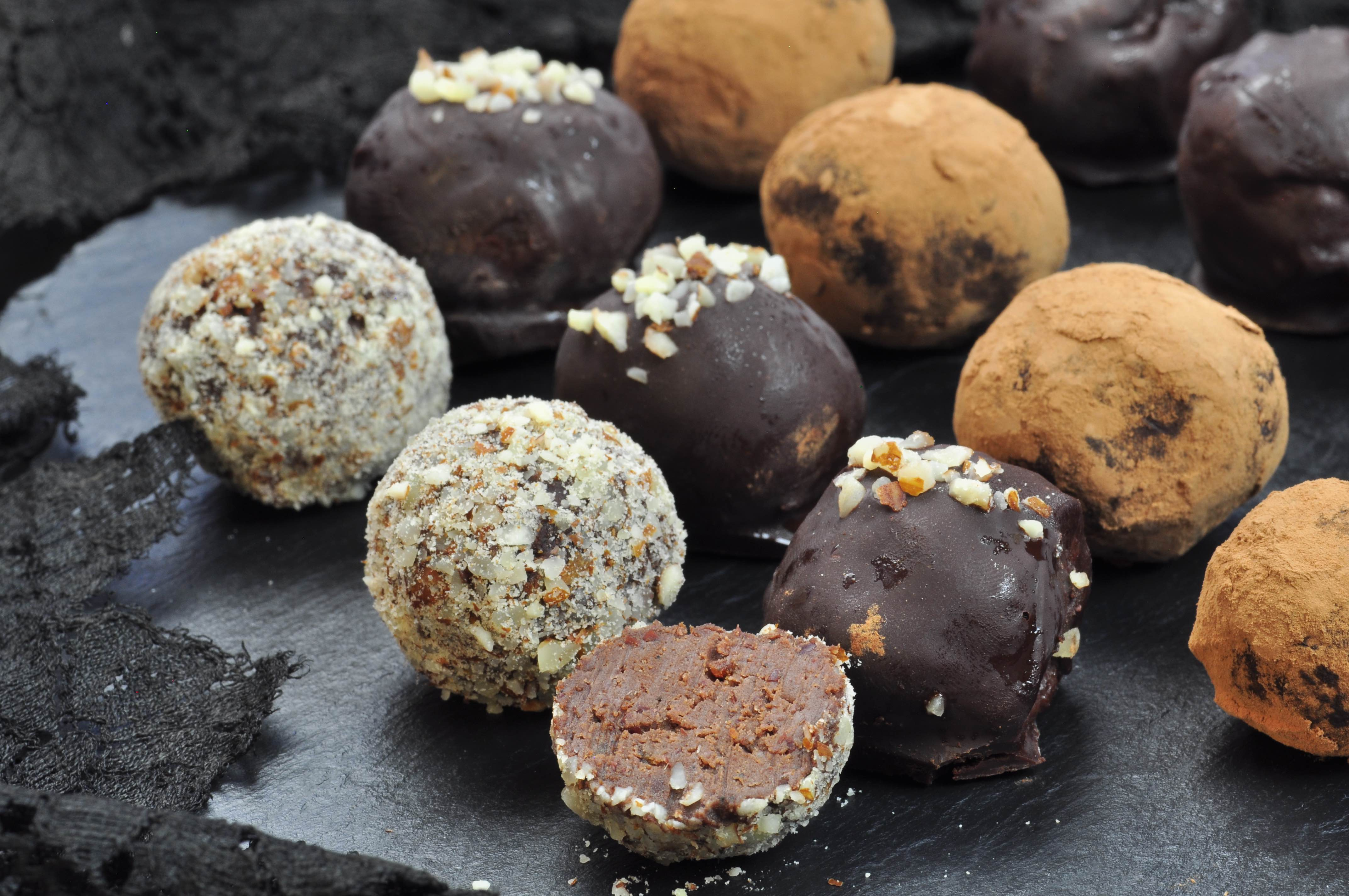 Chocolate_truffles_with_kidney_beans_and+white_miso