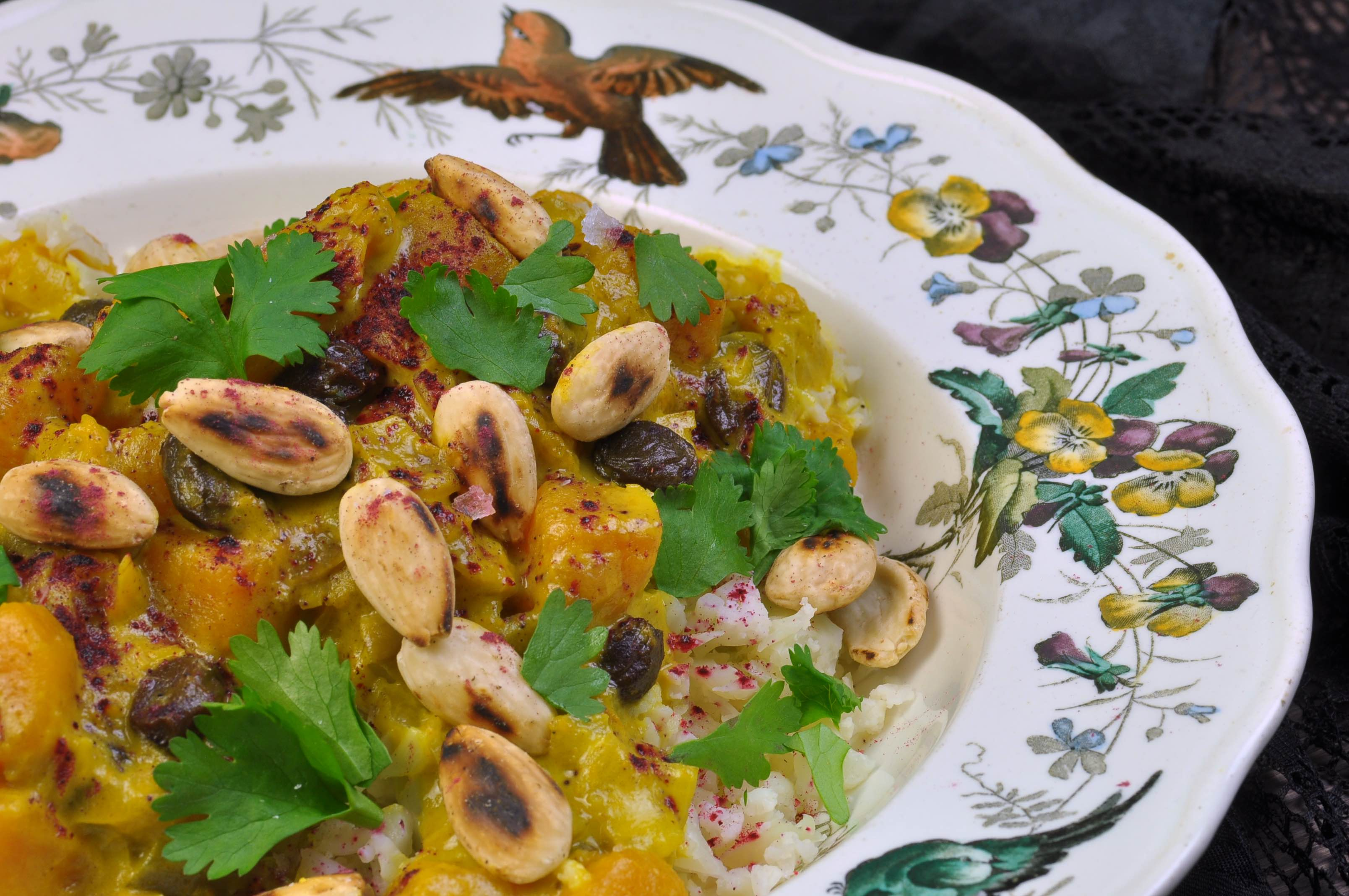 Pumpkin_curry_with_hibiscus_powder