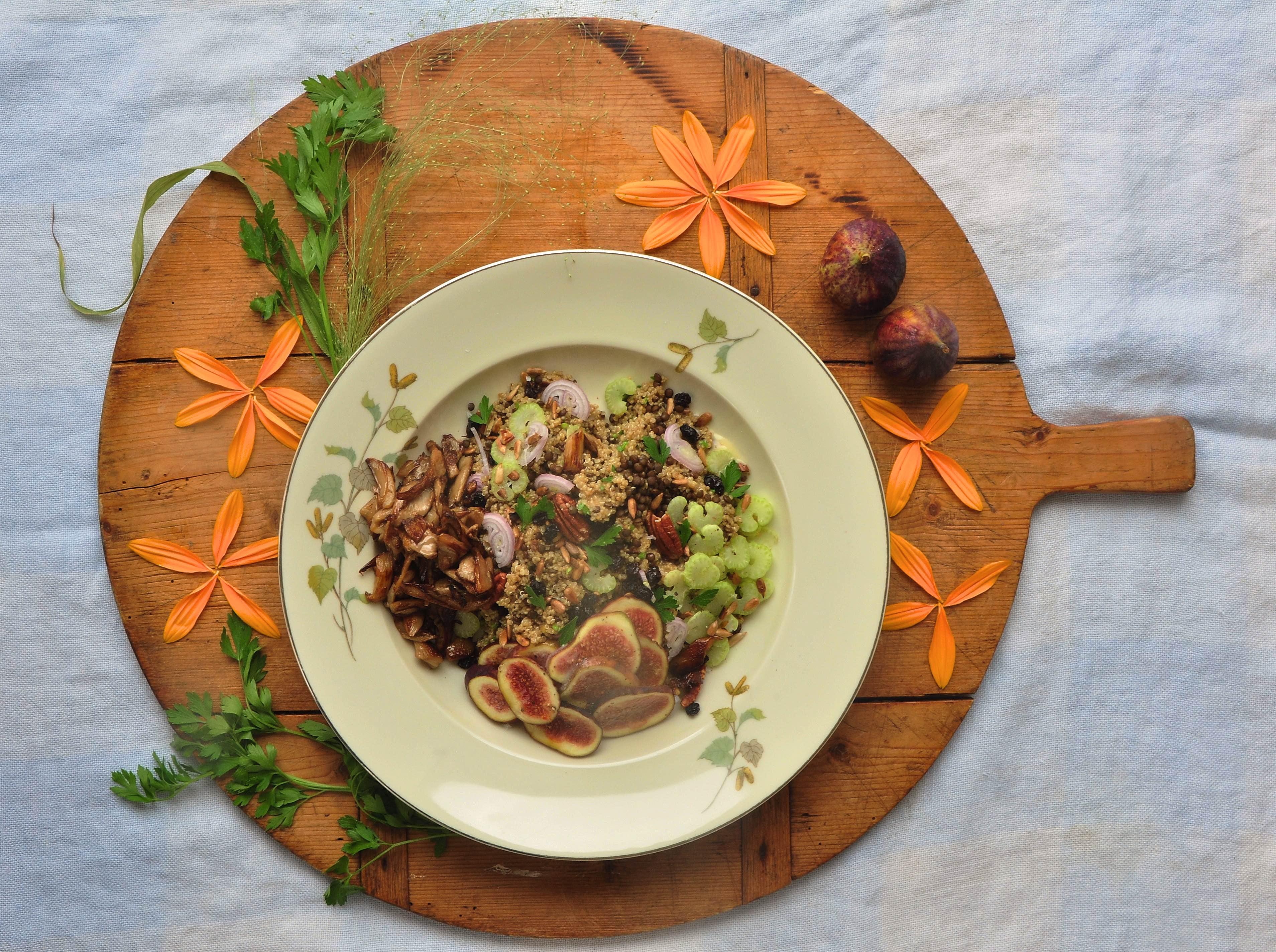 Salade_met_quinoa,_verse_vijgen_en_mosterddressing